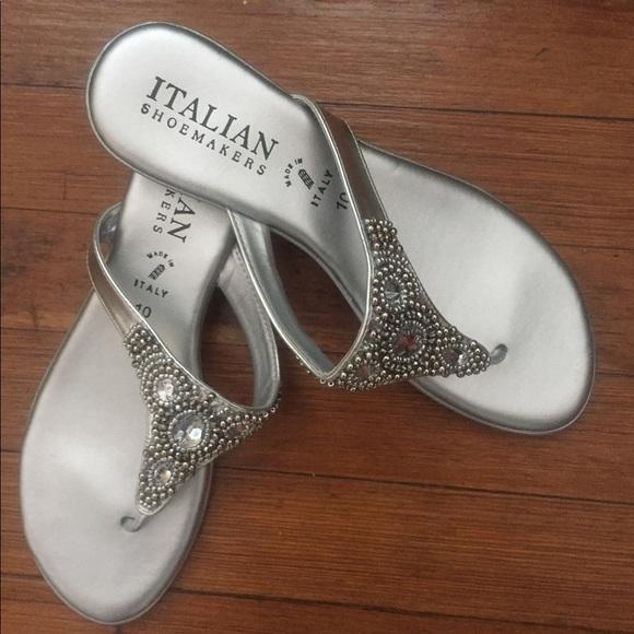 061d486883522 Italian Shoemakers Shoes - EUC Italian Shoemakers Mystify sandals. Size 10